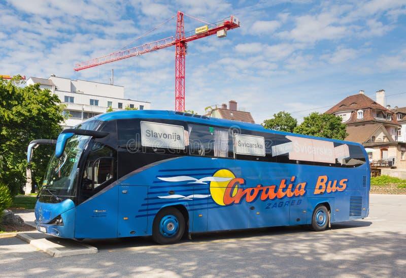 Un autobus d'entraîneur de Croatie dans la ville de Zurich, Suisse image libre de droits