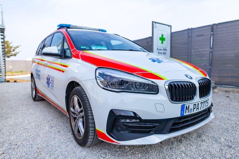 Un'automobile tedesca dell'ambulanza dall'unione dell'ambulanza di Aicher fotografie stock