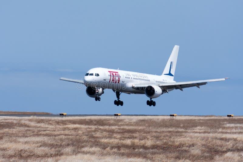 Un avion de passagers Boeing 757-200 images stock