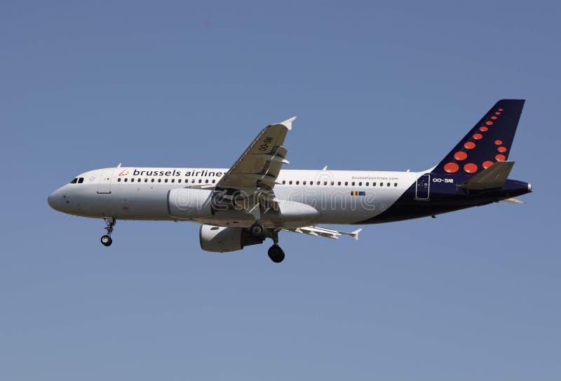 Un avion des lignes aériennes de Bruxelles images stock