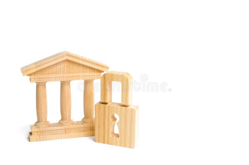 Un bâtiment antique et une serrure Le concept de préserver des monuments de l'histoire et de la culture Protection des musées et  photo stock