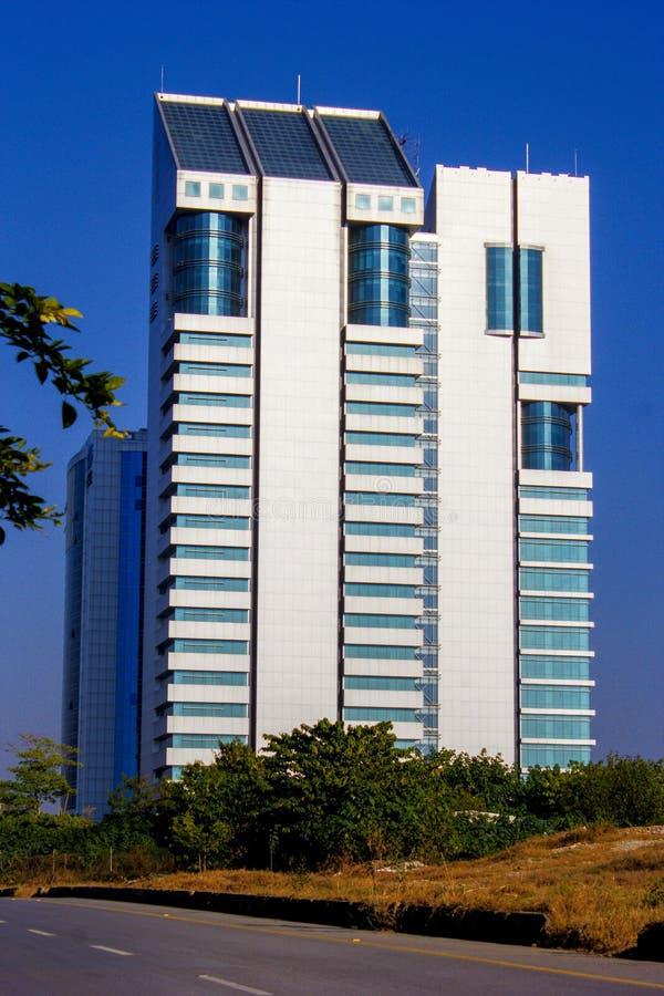 Un bâtiment d'une tour à Islamabad photos stock