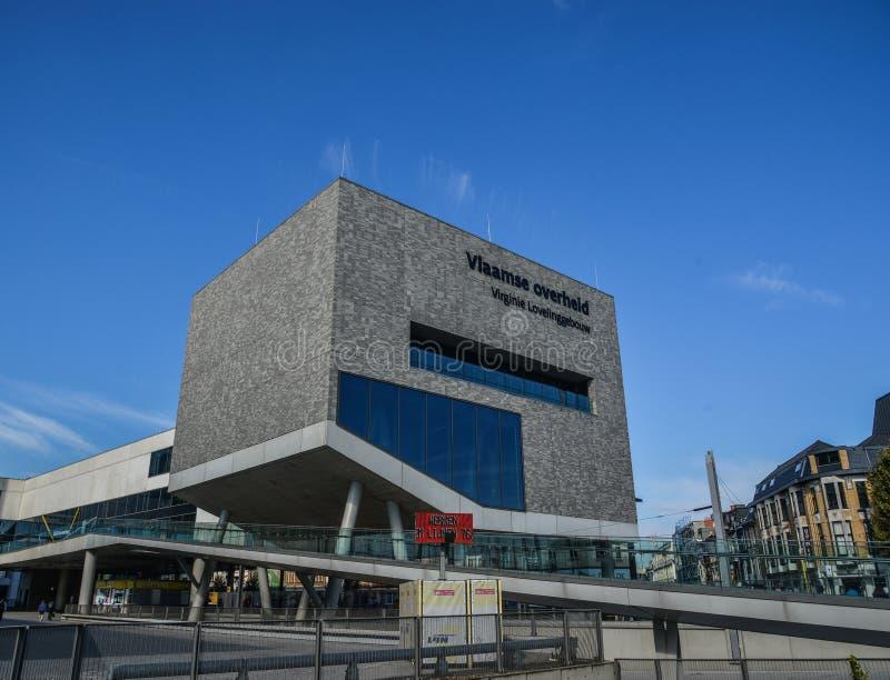 Un bâtiment moderne à Bruges, Belgique image libre de droits