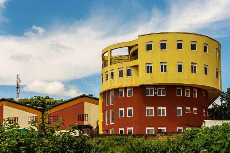 Un bâtiment rond en Afrique photo stock