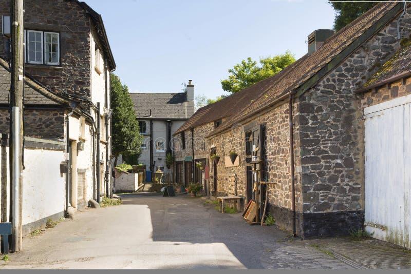 Un backstreet en un pueblo del puerto imágenes de archivo libres de regalías