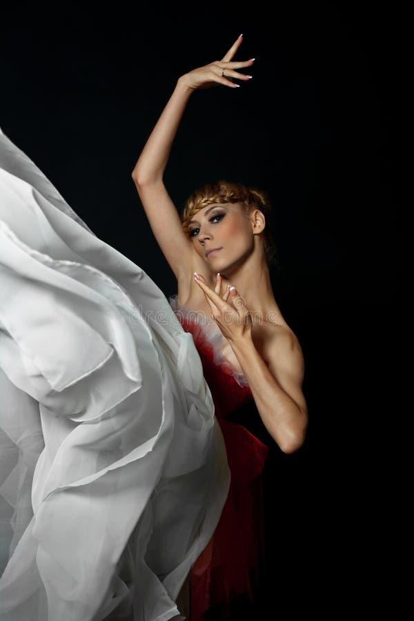 Un bailarín en una demostración del ballet foto de archivo