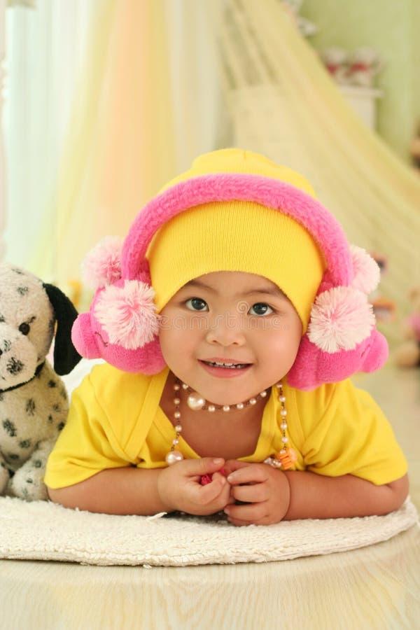 Un bambino sveglio della porcellana fotografie stock libere da diritti