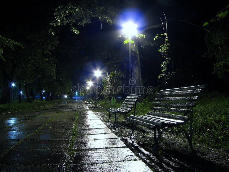 Un banco per piovere 2 immagine stock