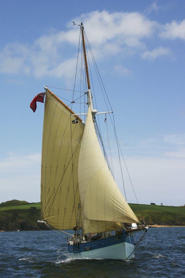 Un bateau à voile classique photographie stock libre de droits
