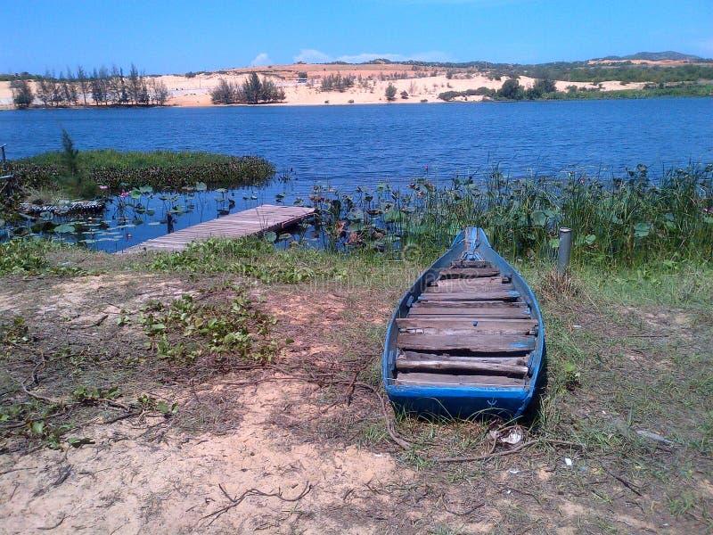 Un bateau photographie stock libre de droits