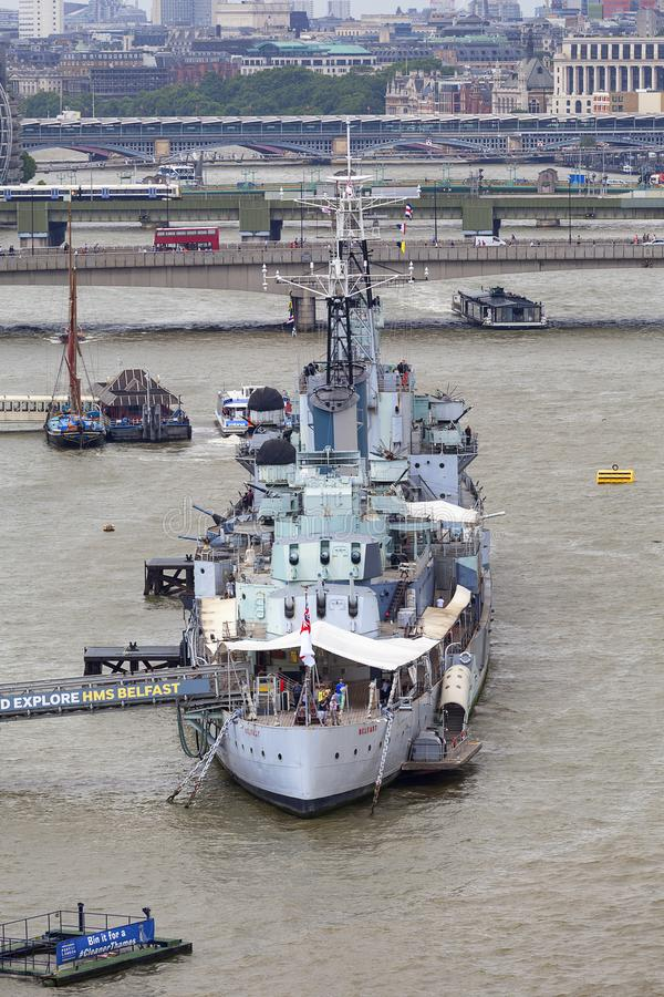 Un bateau de guerre HMS Belfast sur la Tamise, Londres, Royaume-Uni image stock