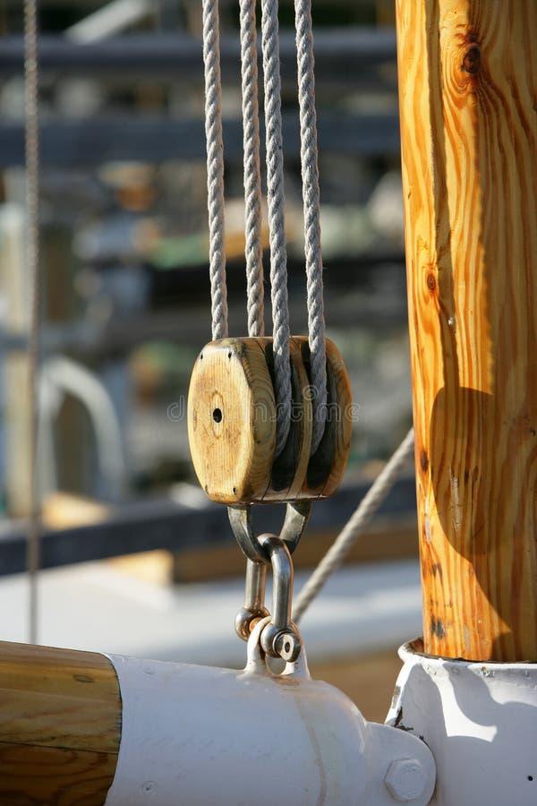Un bateau de pêche images libres de droits