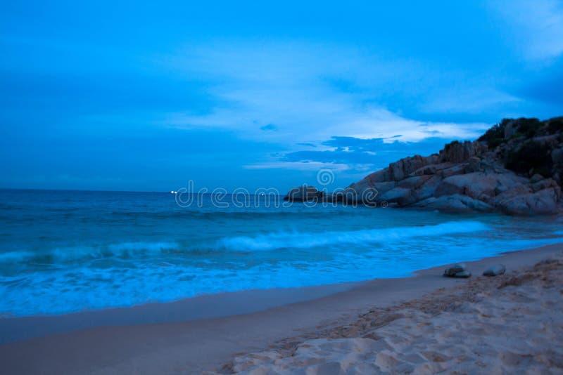 Un bateau sur la plage, fils Hai de Mui Dinh- photos libres de droits