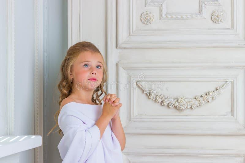 Robe longue blanche petite fille