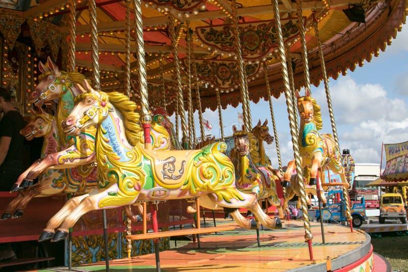 Un beau carrousel d'or à la vapeur de Dorset juste images libres de droits