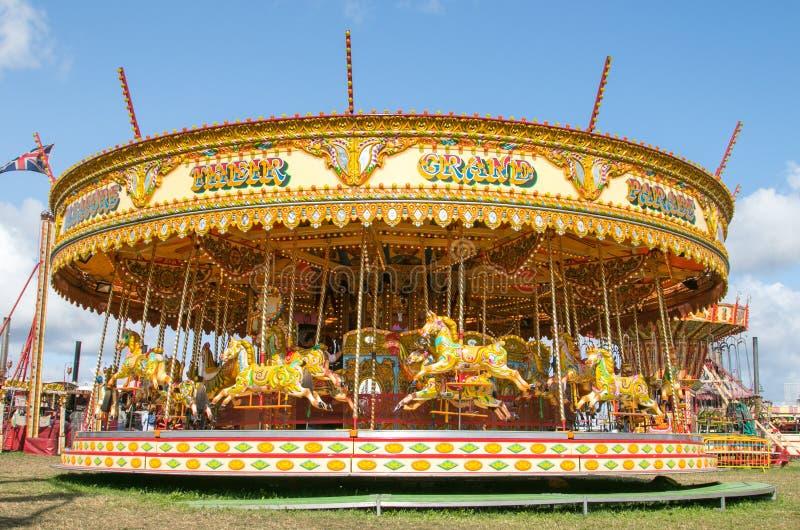 Un beau carrousel d'or à la vapeur de Dorset juste photos stock