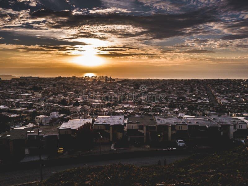 Un beau coucher du soleil à San Francisco photographie stock libre de droits