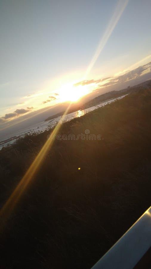Un beau coucher du soleil photos stock