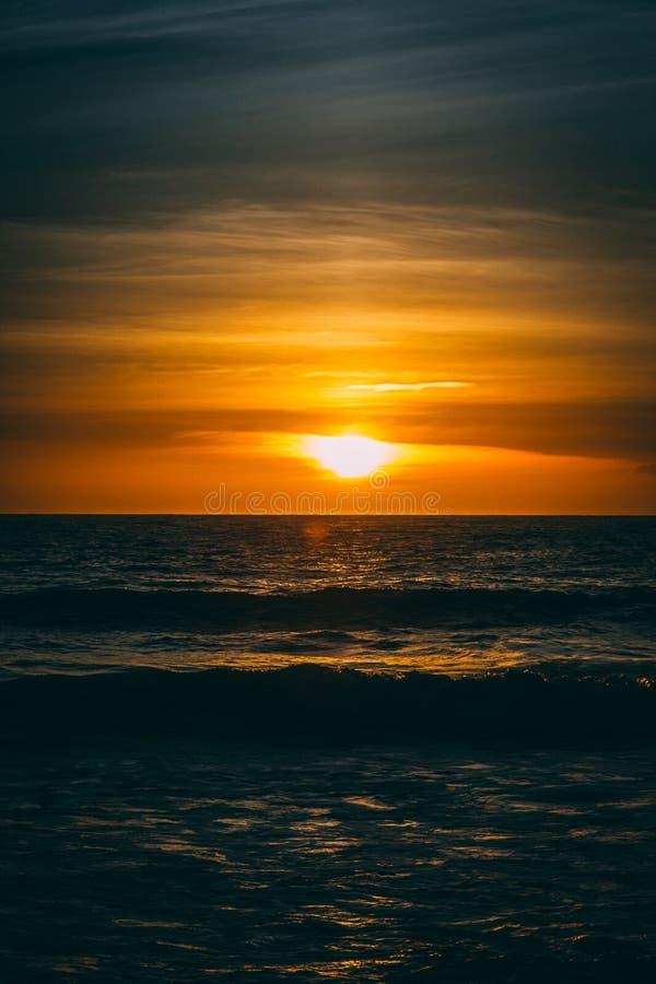 Un beau coucher du soleil dans Malibu image libre de droits