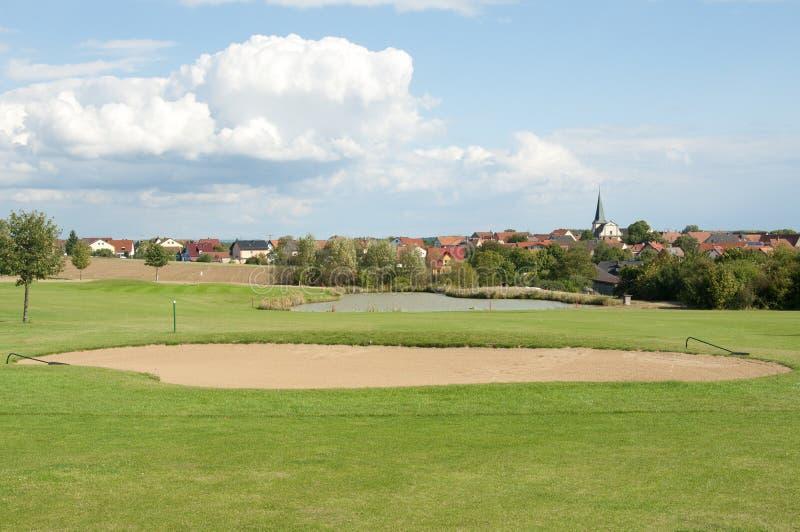 Un bello campo da golf in Europa fotografia stock libera da diritti