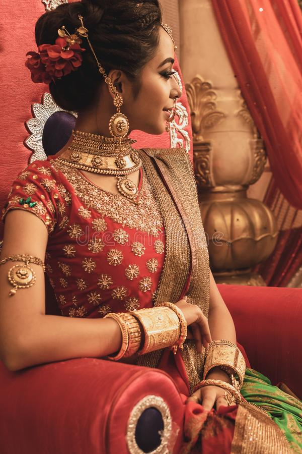 Un bello giovane modello indiano non identificato immagine stock libera da diritti