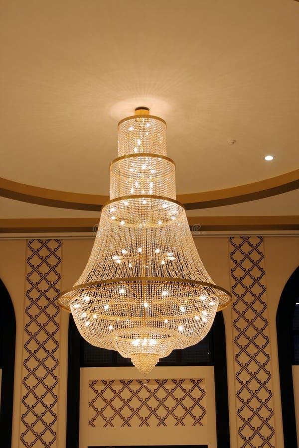 Un bello indicatore luminoso del lampadario a bracci immagine stock