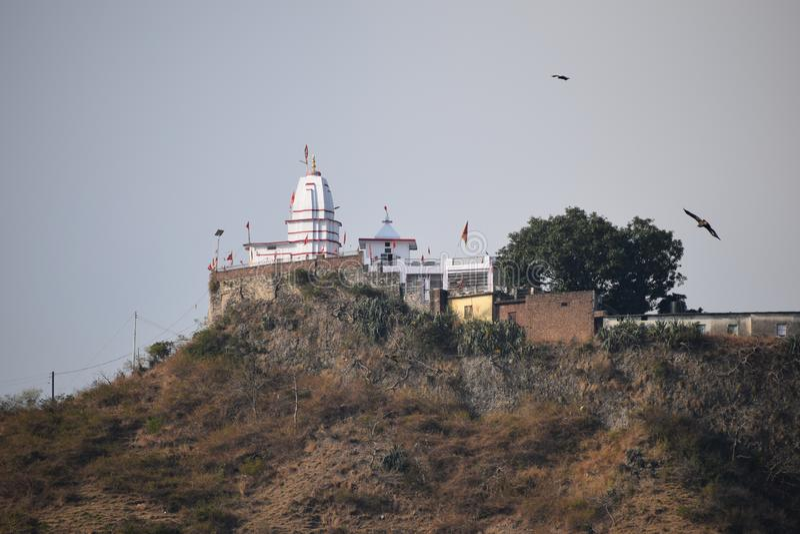 Un bello tempio ad una sommità fotografia stock libera da diritti