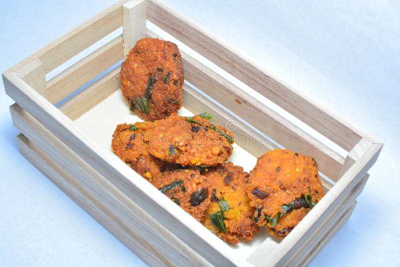 Un bocado frito indio meridional popular fotografía de archivo libre de regalías
