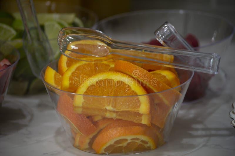 Un bol d'oranges image libre de droits