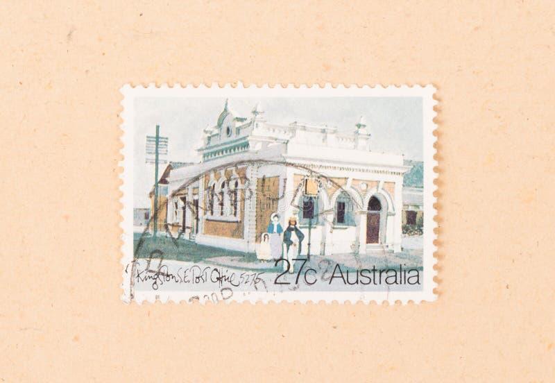 Un bollo stampato nelle manifestazioni Kingston Post Office dell'Australia, circa 1980 immagine stock