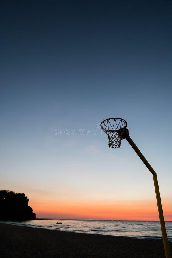 Un bordo meno orlo di pallacanestro fotografia stock