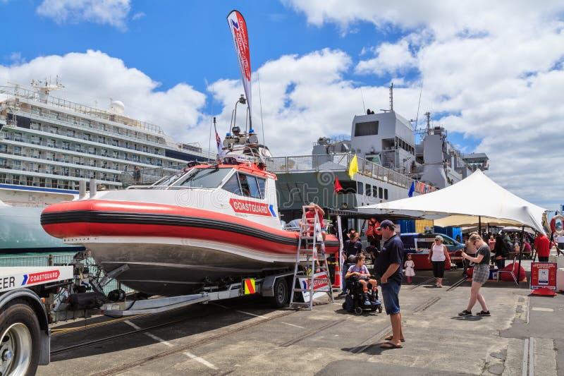 Un bote de salvamento del guardacostas de Nueva Zelanda imagen de archivo