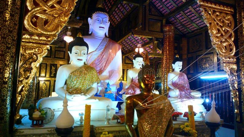 Un Bouddha au temple dans le chiangmai, Thaïlande photo libre de droits