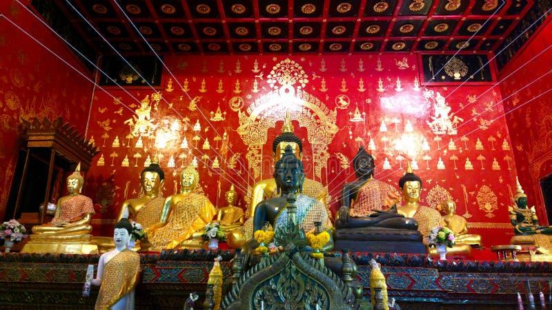 Un Bouddha au temple dans le chiangmai Thaïlande images stock
