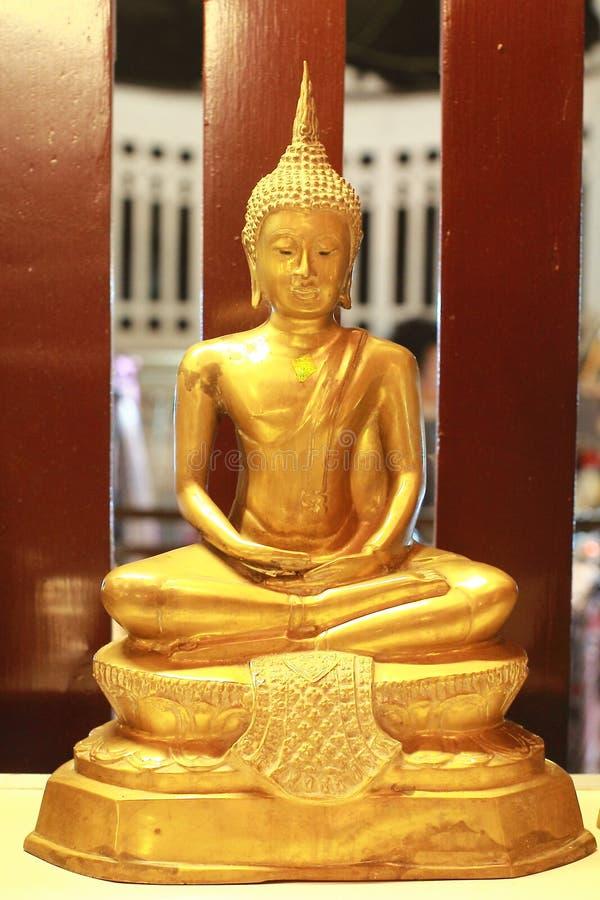Un Bouddha au temple dans le chiangmai Thaïlande image libre de droits