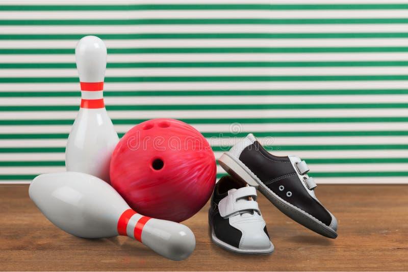 Un bowling di dieci Pin fotografia stock libera da diritti