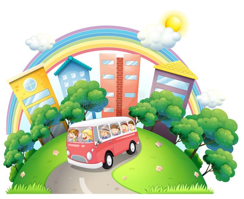 Un bus in pieno dei bambini illustrazione di stock