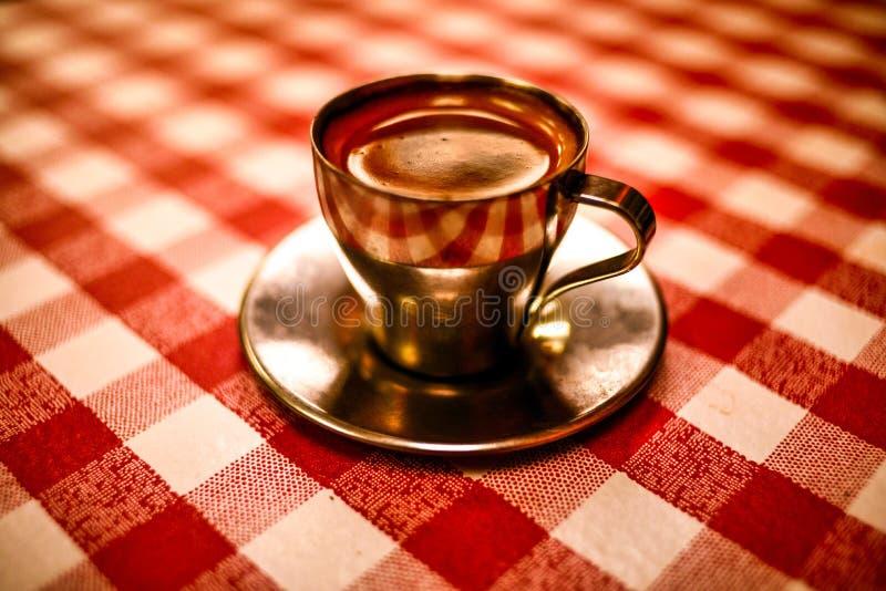 Un café express perfecto foto de archivo libre de regalías