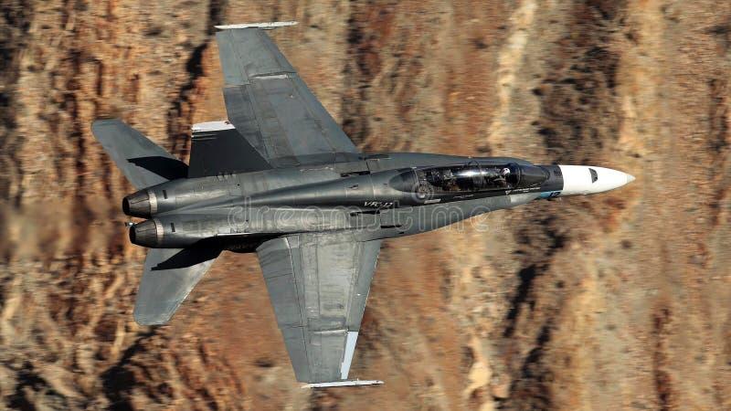 Un calabrone eccellente della marina di Stati Uniti F/A-18 fotografia stock libera da diritti