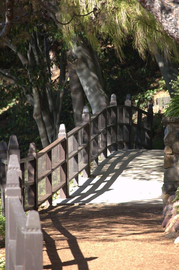 Un callejón en el parque imágenes de archivo libres de regalías