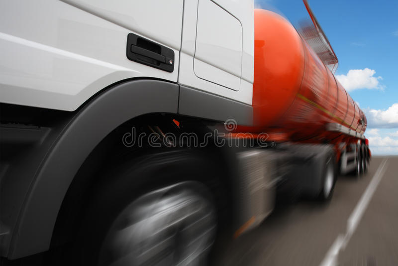 un camión del tanque imagen de archivo