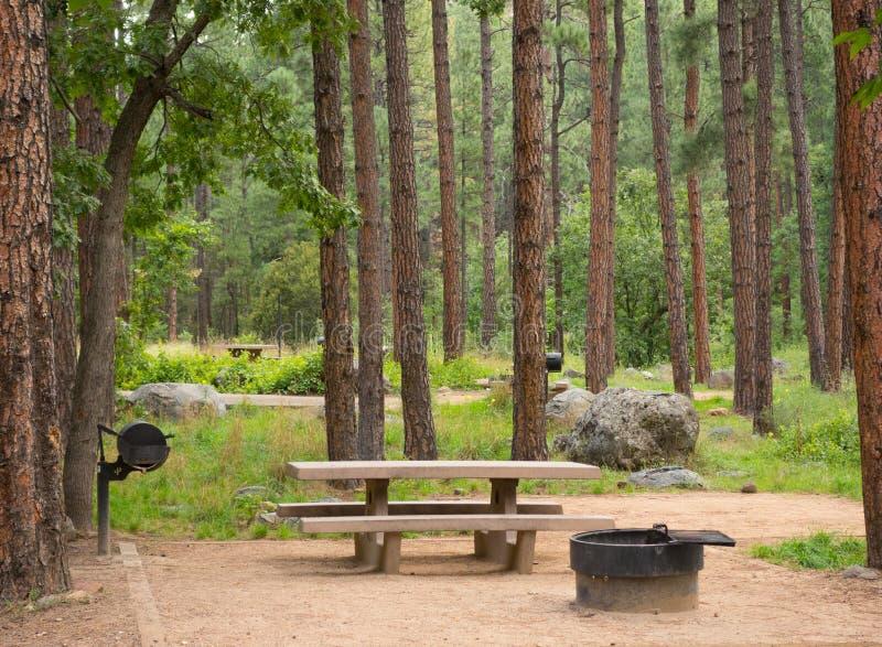 Un campeggio incontaminato al sedona immagini stock libere da diritti