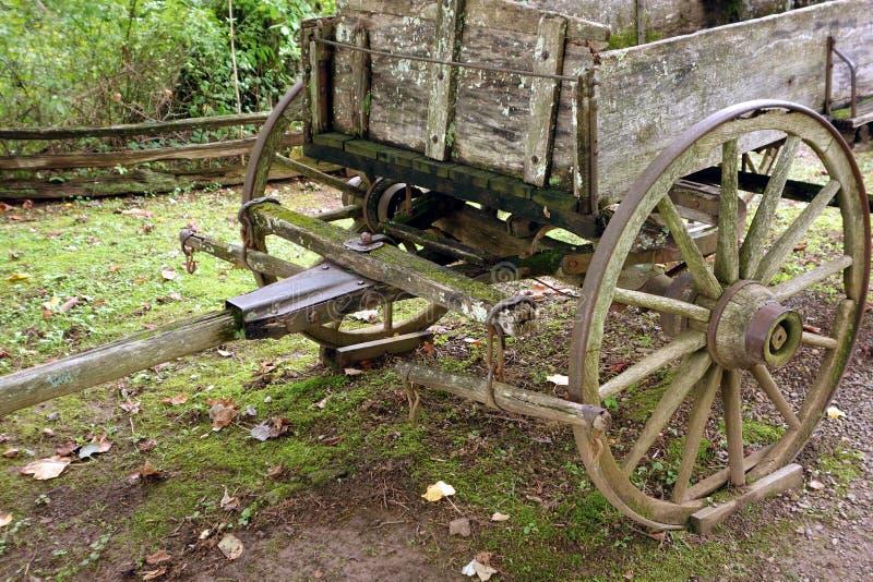 Un carro traído por caballo usado en días pioneros imagen de archivo