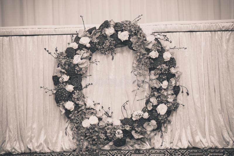 Un cercueil avec une fleur image stock