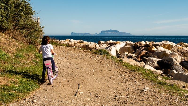 Un chemin vers l'île de Capri photos stock