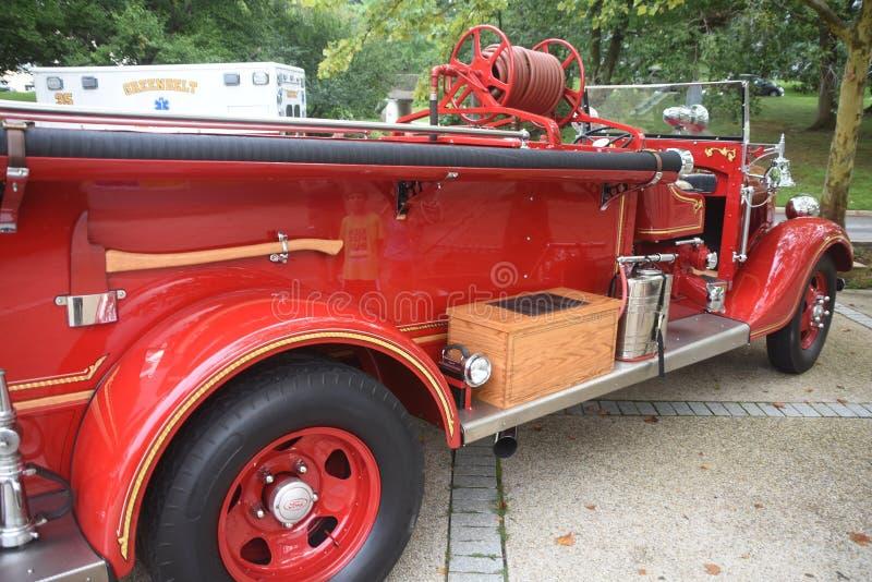 Un coche de bomberos antiguo foto de archivo libre de regalías