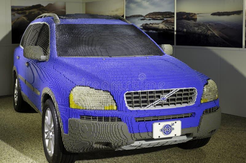Un coche muy grande de Volvo foto de archivo