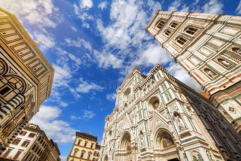 Un colpo grandangolare della cattedrale di Santa Maria Del Fiore, Firenze fotografia stock libera da diritti