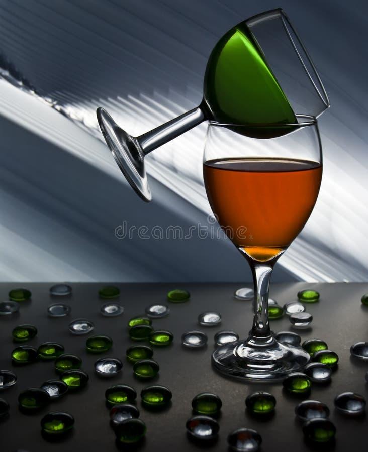Un concetto due di vetro di vino fotografia stock