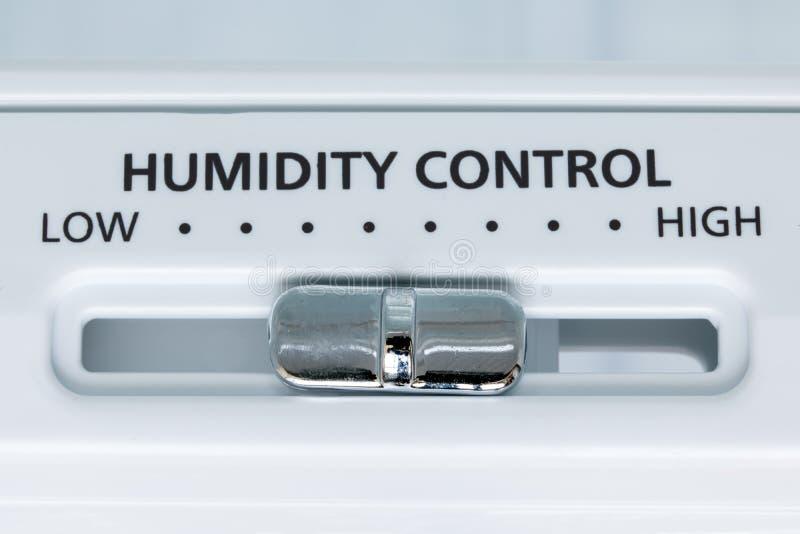 Un controllo di umidità nel frigorifero, vista del primo piano fotografia stock
